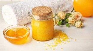 Try this Simple All-Natural DIY Scrub & Facial Mask for Smooth Skin