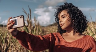 How to Take A Break from Social Media — A Complete Guide