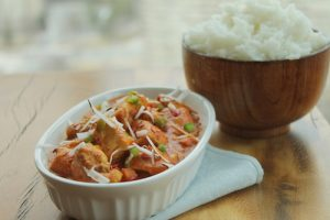 coconut-chicken-curry-serve-rice